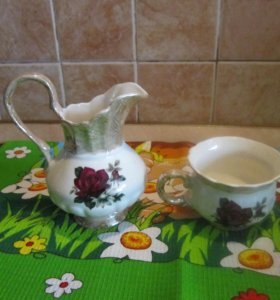 Молочник, чашка, вазочка