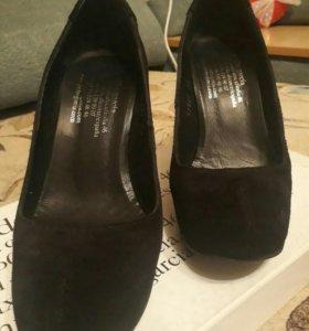 новые классные туфли натур. замша Испания