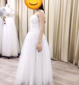 Свадебное платье (юбка+корсет)