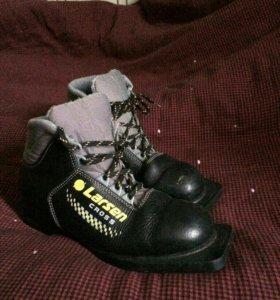 Ботинки лыжные р.37