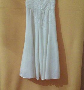 Белое праздничное платье для девочки на 7-8 лет
