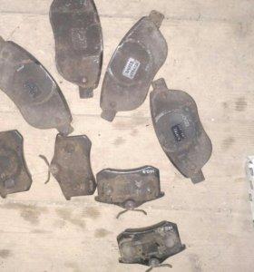 Тормозные колодки Пежо 307