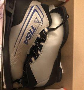 Ботинки лыжные TISA