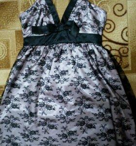 Платье коктейльное атласное с гипюром