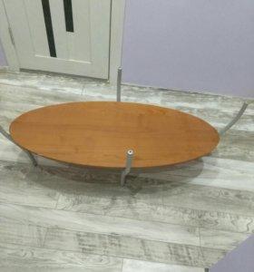 Журнальный столик и модульный диван