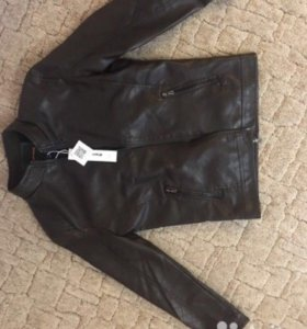 НОВАЯ куртка кожзам