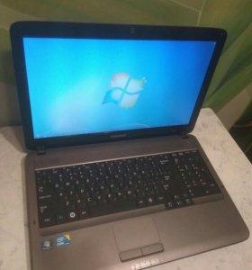 Хороший ноутбук Samsung Corei3 2.4Ghz\3Gb\320Gb