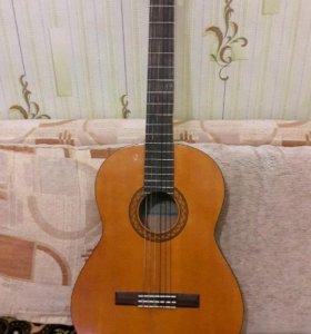 гитара ямаха с 70