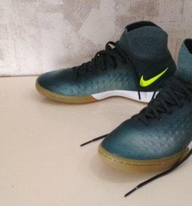 Бутсы для зала Nike MagistaX