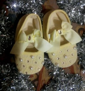 Нарядные пинетки-туфельки для девочки