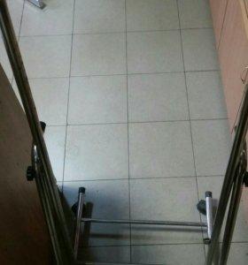 Рамка для зеркала на колесиках