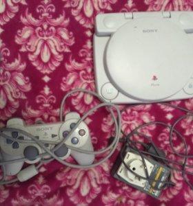 Playstation one slim LCD с лицензионной игрой