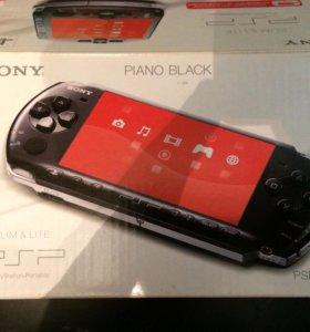 Sony psp -3008 pb+4 лицензионных игры