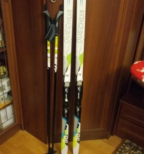 Лыжи, ботинки и палки детские