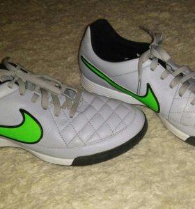 Футбольные бутсы Nike. 43 размер.