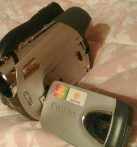 Видеокамера Canon DC320e