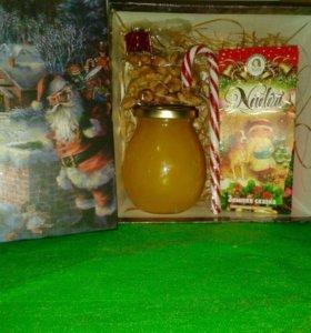 Сладкий подарок) Подарочная коробка вкусностей