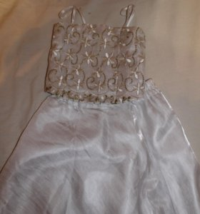 Продам детскте платье