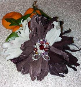Цветы-броши из натуральной кожи