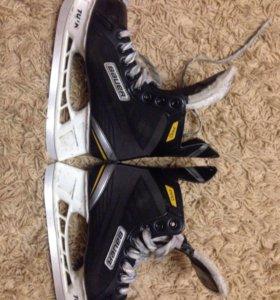 Хоккейный коньки Bauer supreme PRO,