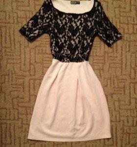 Платье с гипюром MISSLOOK
