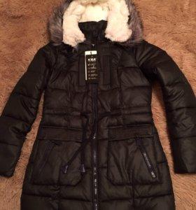 Много новых зимних курток
