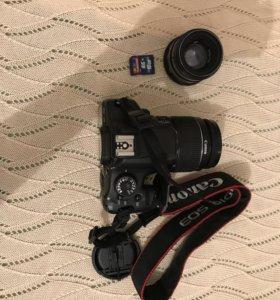 Зеркальный фотоаппарат Canon EOS550D