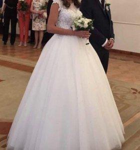 Свадебное платье. Состояние нового.