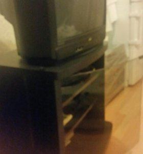Тумбочка под телевизор со стеклом и полками