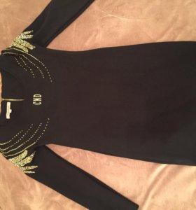 Платье обтягивающее , ткань плотная