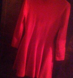 Платье (красное)