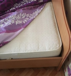 Двуспальная кровать + матрас