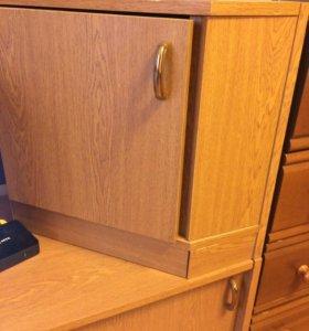 Угловой шкаф пенал