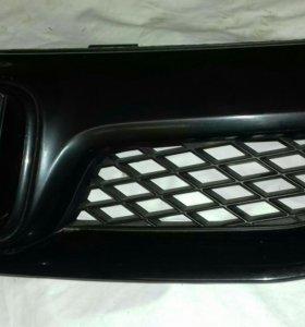 Решетка радиатора хонда сивик 8 4д