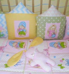 Бортики, постельное белье в детскую кроватку