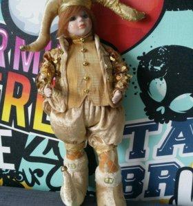 Кукла фарфоровая 1