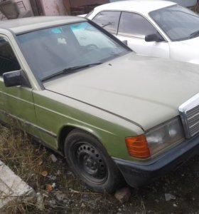Стекла на Мерседес W124