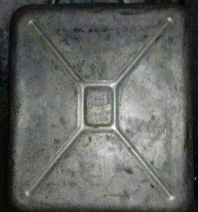 Канистры металл 2шт