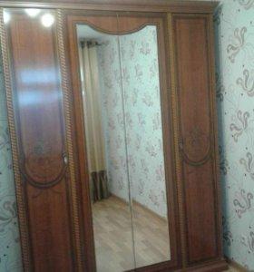 Шкаф для одежды 4-дверный