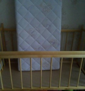 Продам. Кроватка с матрасом ортопидический.