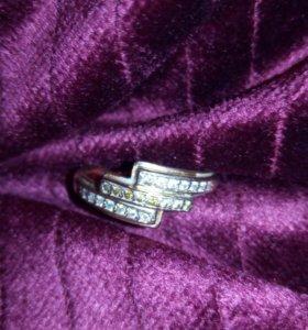 Золотое кольцо перстень 585 пр