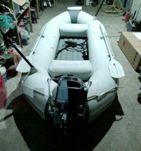 Резиновая моторная лодка