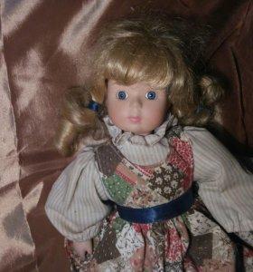 Кукла синеглазая блондинка