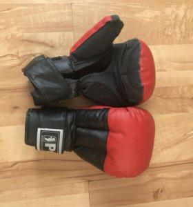 Перчатки для кик бокса
