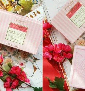 Мыло с розой и сандалом
