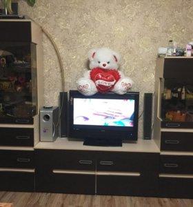 Стенка и жк-телевизор