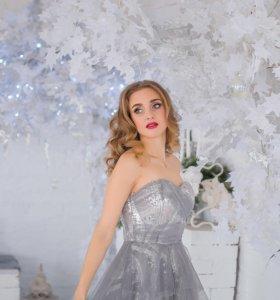 Платье с асимметричной юбкой, фатином и пайетками