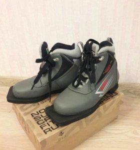 Ботинки лыжные детские 34р