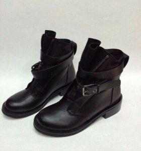 Новые зимние ботинки (37,38, 39р)