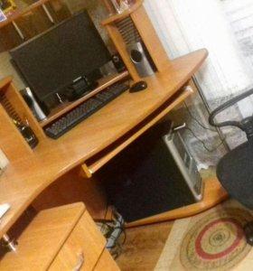 Продам компьютерное кресло и стол